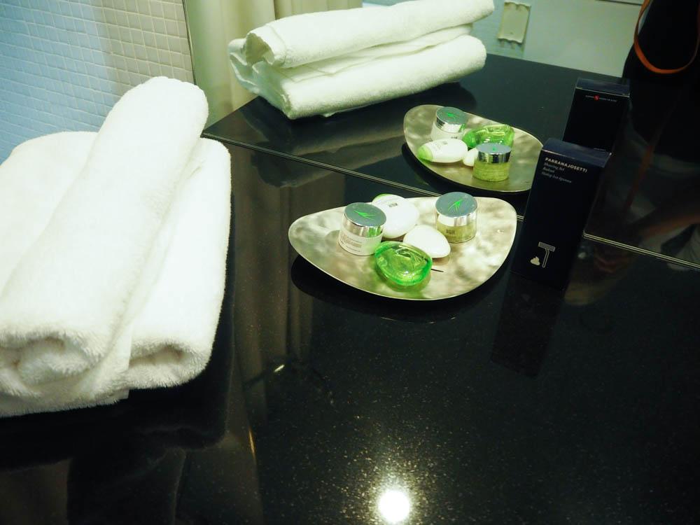 Art Deco sviitin kylpytuotteita