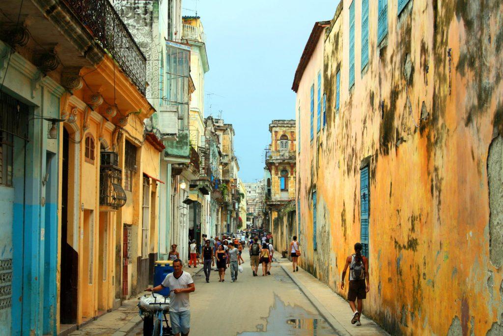 Rosoinen Havanna. © Ansalmo Juvaga