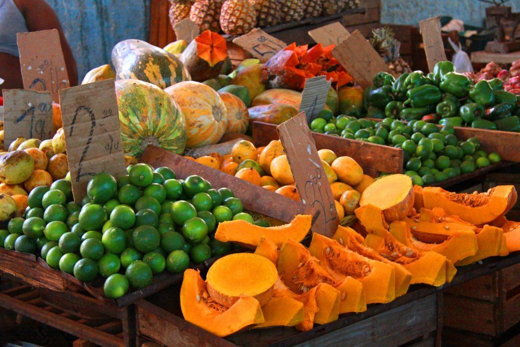 Tuoreita trooppisia hedelmiä Havannassa. © Guillaume Baviere